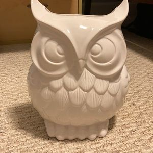 White decorative owl vase